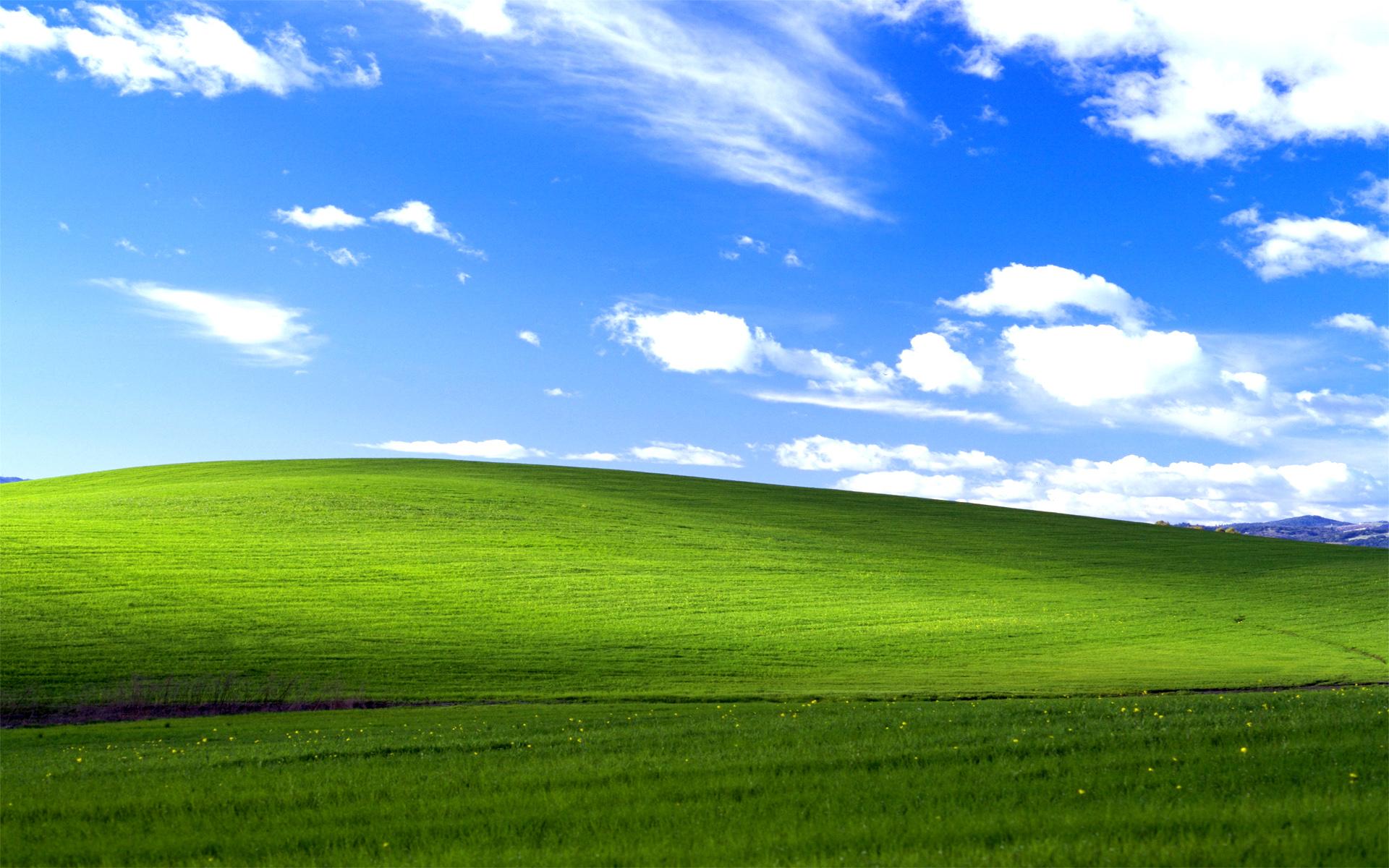 Microsoft Releases Virtual Retro Teams/Skype Backgrounds